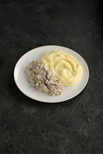 Бефстроганов с картофелем (250 г)